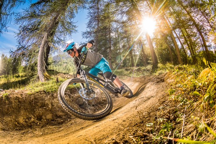 10d36fc776a How To Get Faster At Downhill Mountain Biking - The Flow MTB
